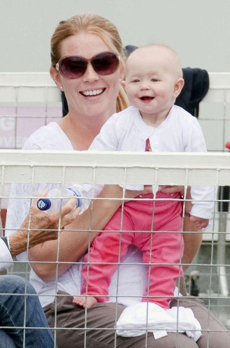 Savannah Phillips, première fille de Peter Phillips et Autumn Kelly, avec celle-ci, le 5 août 2011
