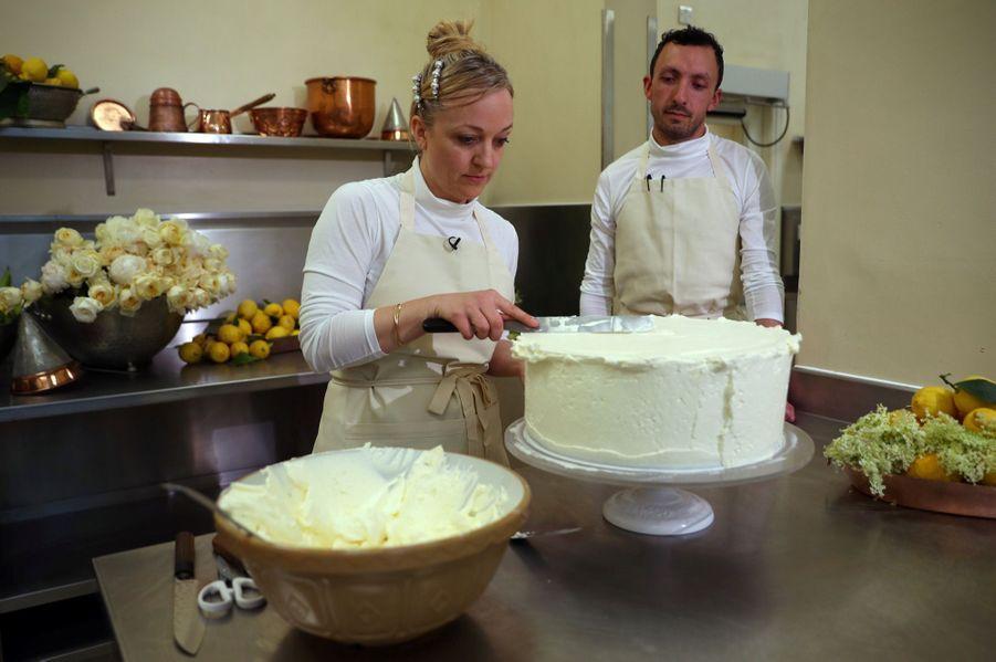 Le Gâteau De Mariage De Meghan Et Harry Dévoilé Par Sa Pâtissière ( 10