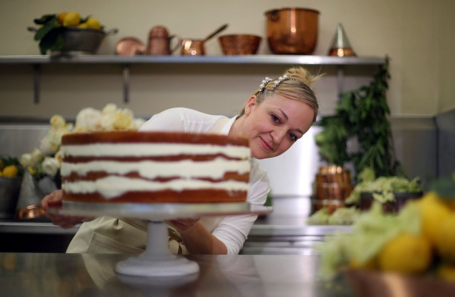 Le Gâteau De Mariage De Meghan Et Harry Dévoilé Par Sa Pâtissière ( 4