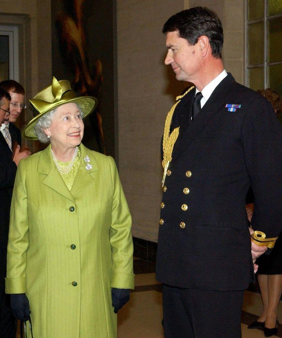 Timothy Laurence avec la reine Elizabeth II, le 14 octobre 2004
