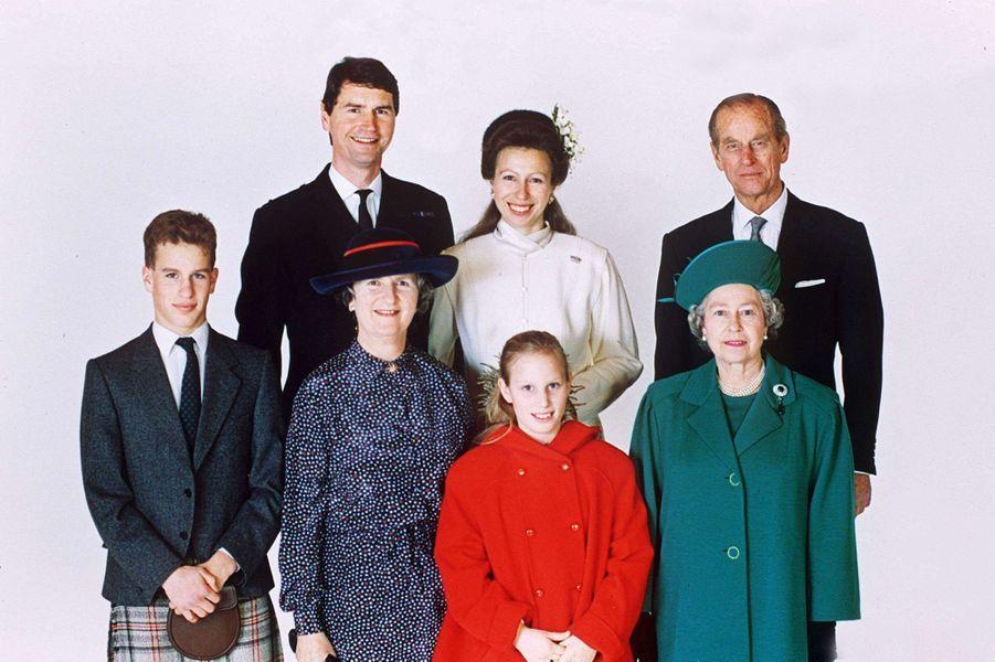 Timothy Laurence et la princesse Anne. Photo officielle, en famille, pour leur mariage le 12 décembre 1992