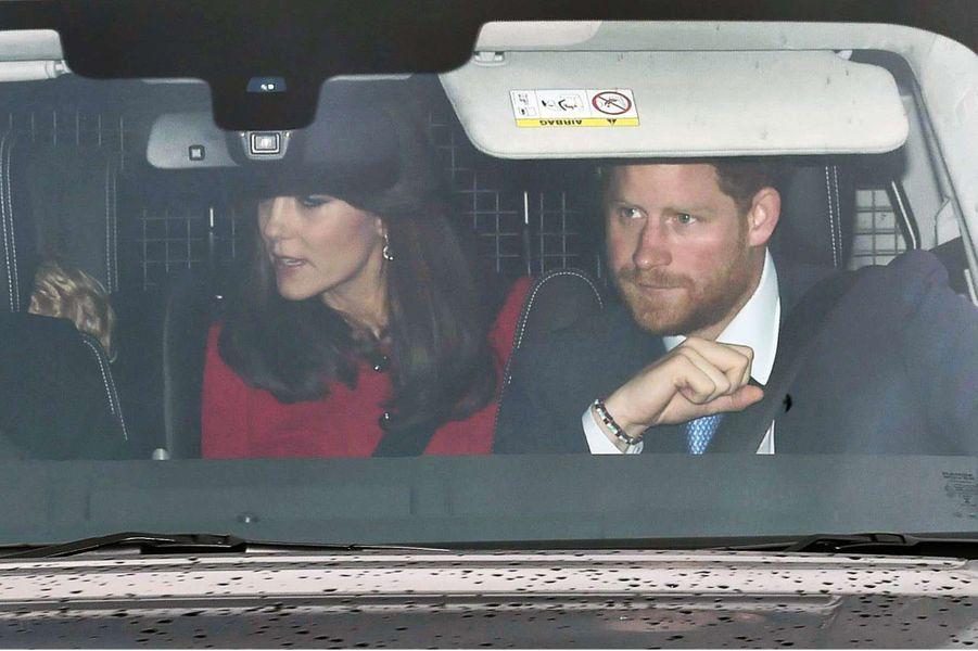 Le prince Harry et la duchesse Cambridge Kate à Londres, le 16 décembre 2015