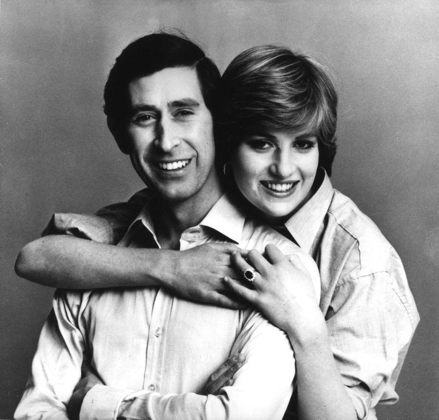 Diana et son fiancé Charles, trois jours avant le mariage, le 26 juillet 1981.