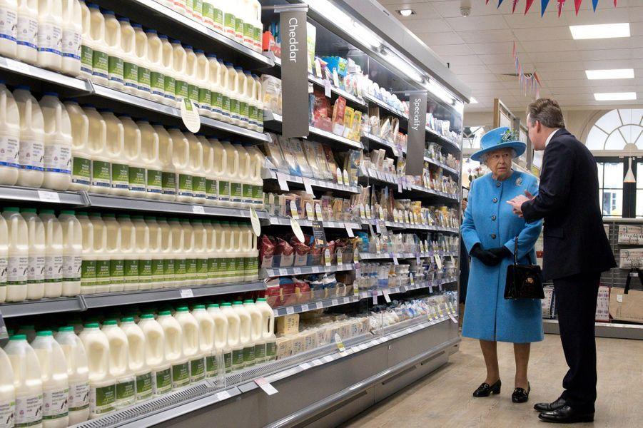 La reine Elizabeth II à Poundbury, le 27 octobre 2016