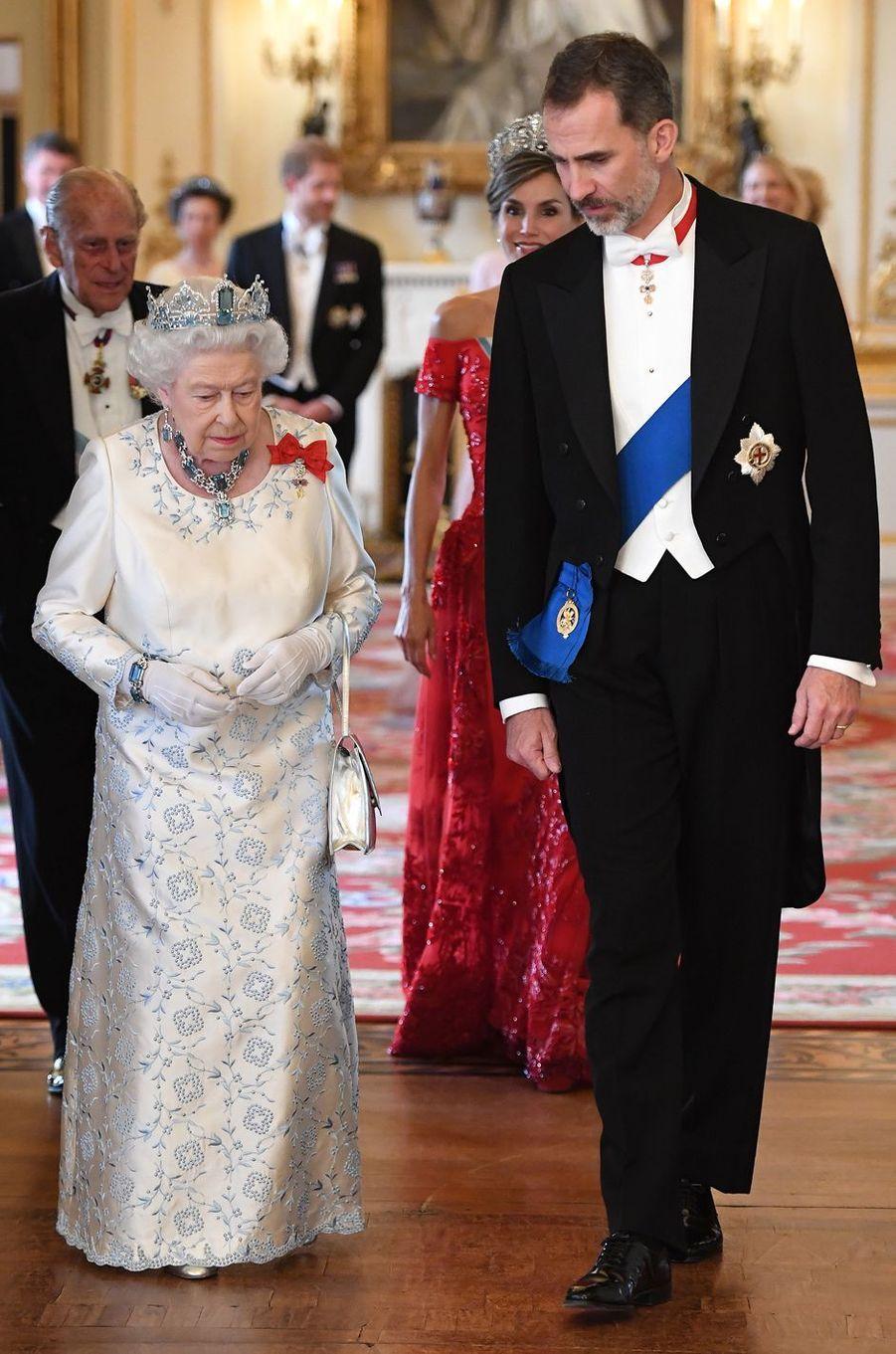 La reine Elizabeth II et le roi Felipe VI d'Espagne à Londres, le 12 juillet 2017