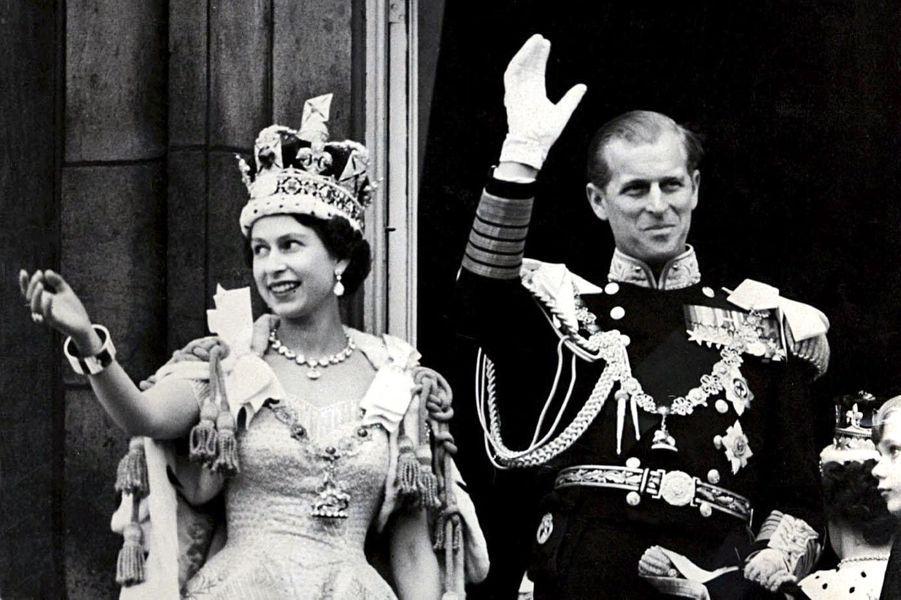 La reine Elizabeth II, le jour du sacre, avec le prince Philip, le 2 juin 1953
