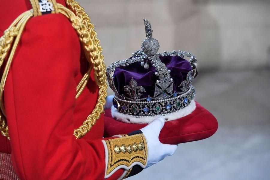 La couronne impériale d'apparat de la reine Elizabeth II à Londres, le 21 juin 2017