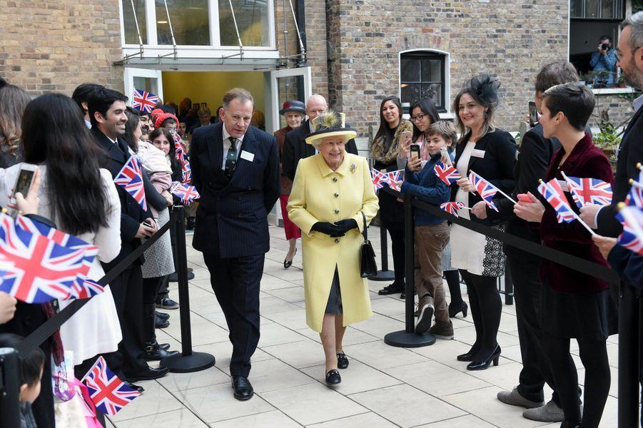 La reine Elizabeth II au Goodenough College à Londres, le 1er décembre 2016