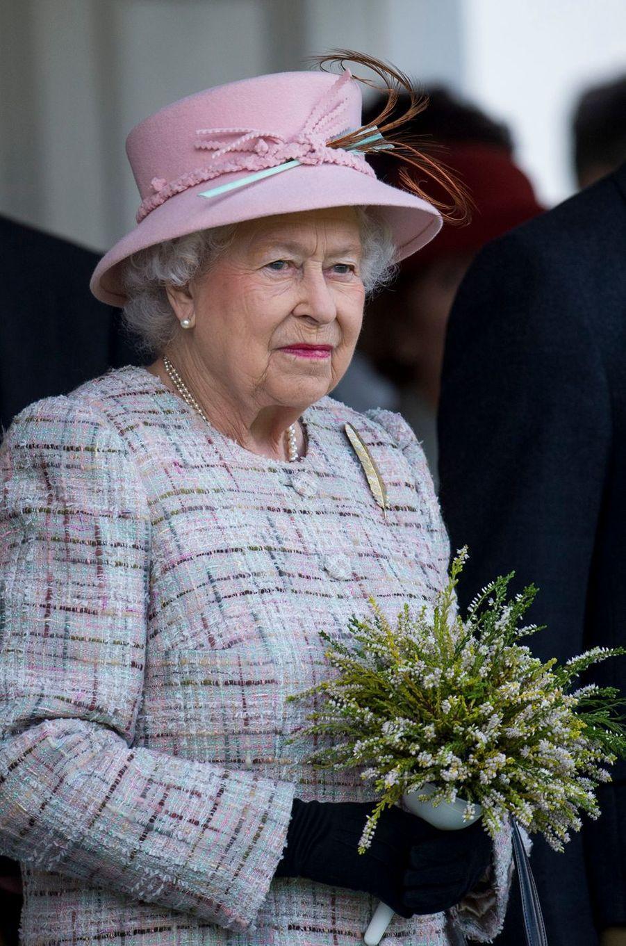 La reine Elizabeth II au Highlands Braemar Gathering, le 2 septembre 2017