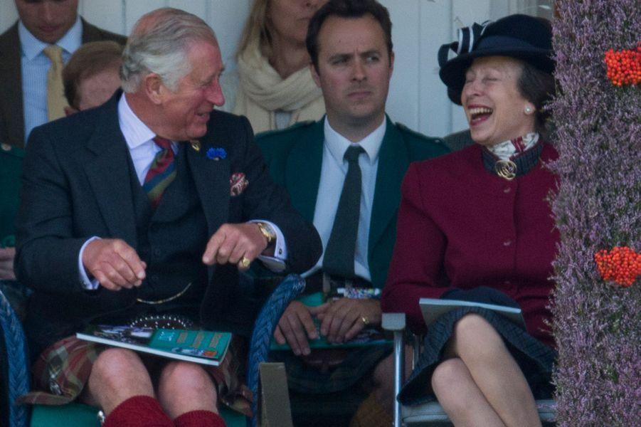 Le prince Charles et la princesse Anne au Highlands Braemar Gathering, le 2 septembre 2017