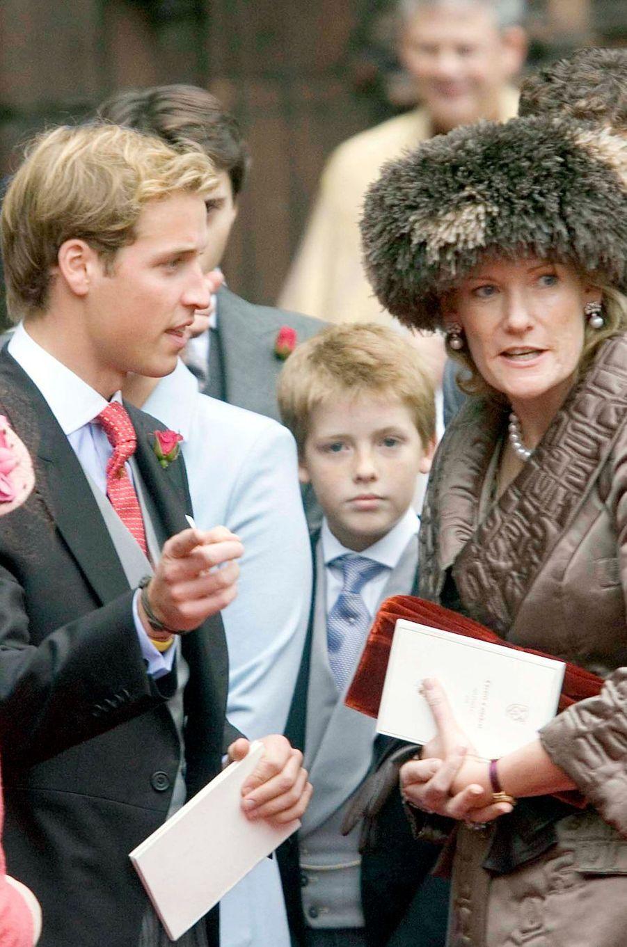 Le prince William avec sa marraine la duchesse Natalia de Westminster, le 6 novembre 2004
