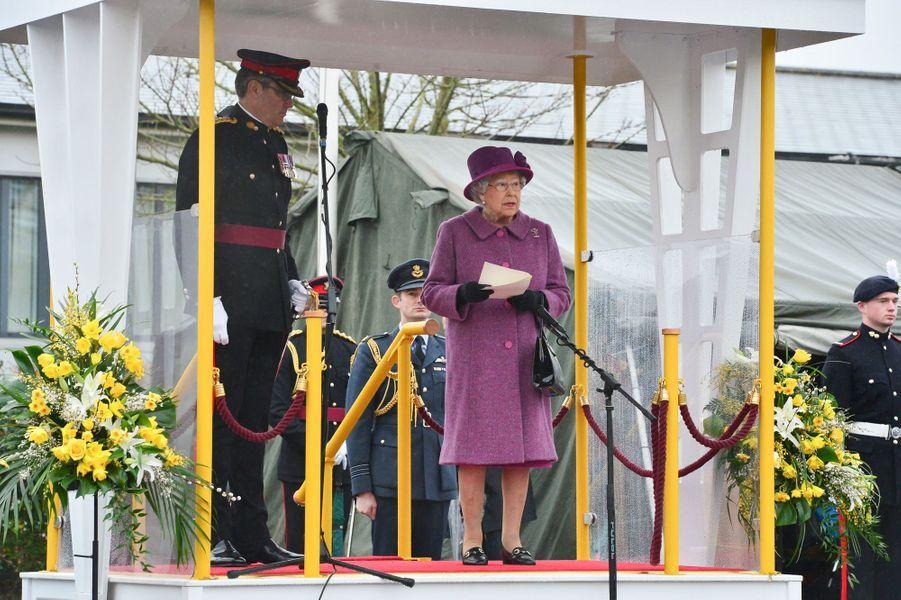 La reine Elizabeth II à une cérémonie militaire du Royal Welsh Regiment à Tidworth, le 3 mars 2017