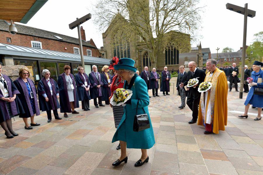 La reine Elizabeth II et le prince Philip à Leicester, le 13 avril 2017