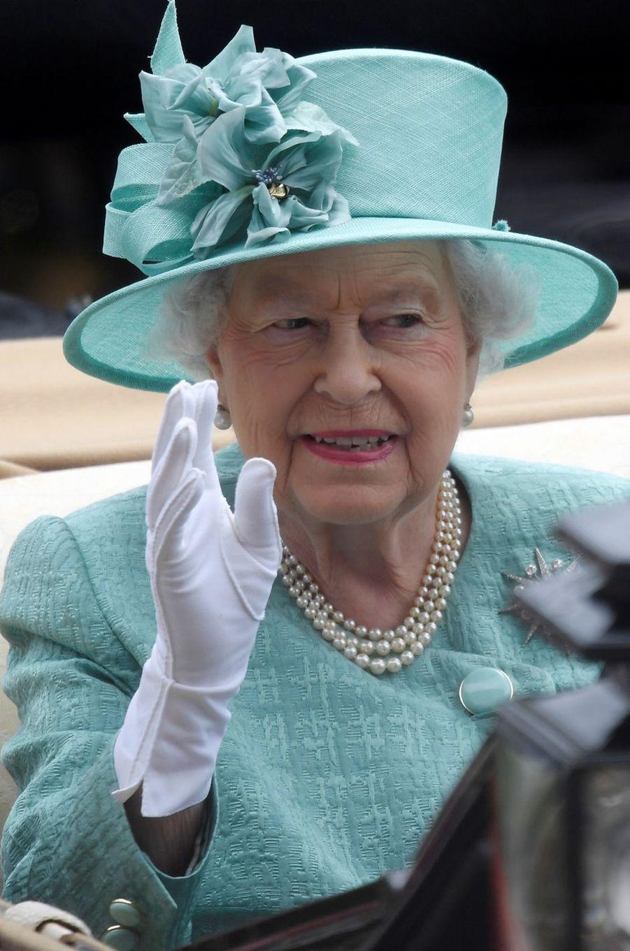 La reine Elizabeth II au Royal Ascot, le 23 juin 2017