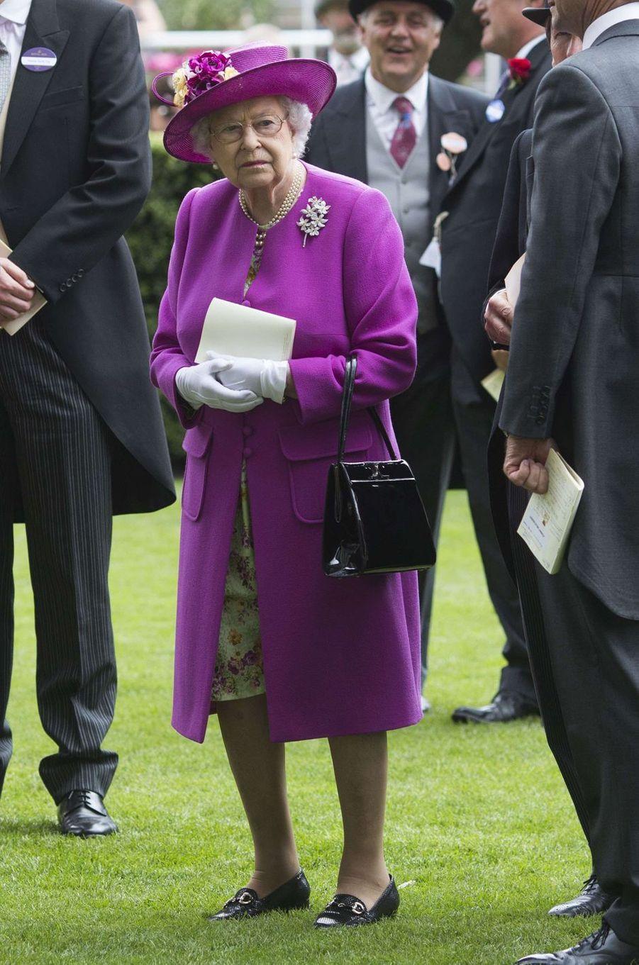 La reine Elizabeth II au Royal Ascot, le 24 juin 2017