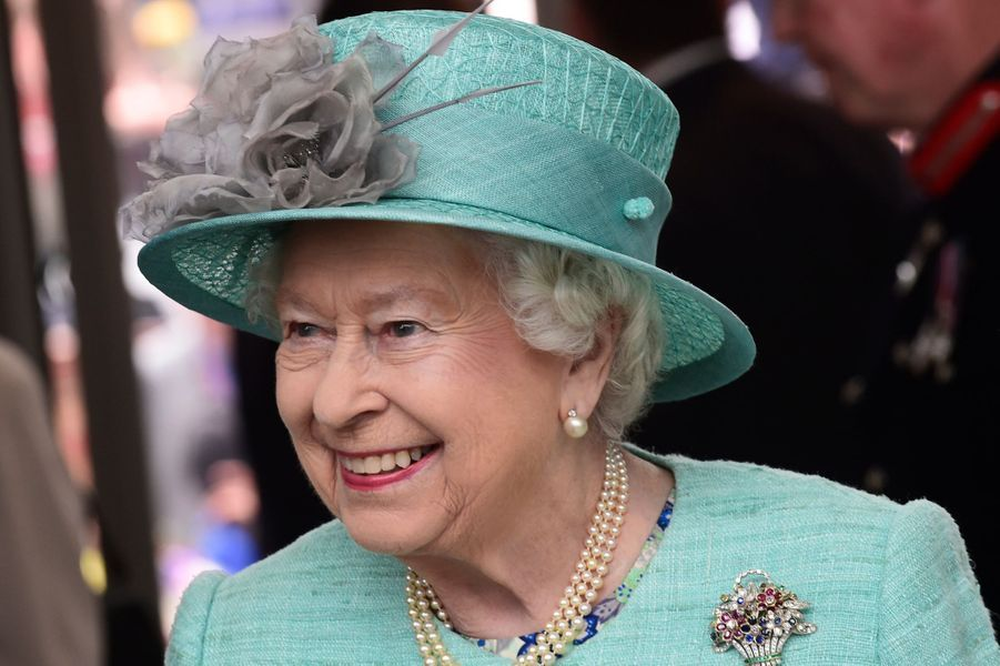 La reine Elizabeth II à Cardiff, le 7 juin 2016