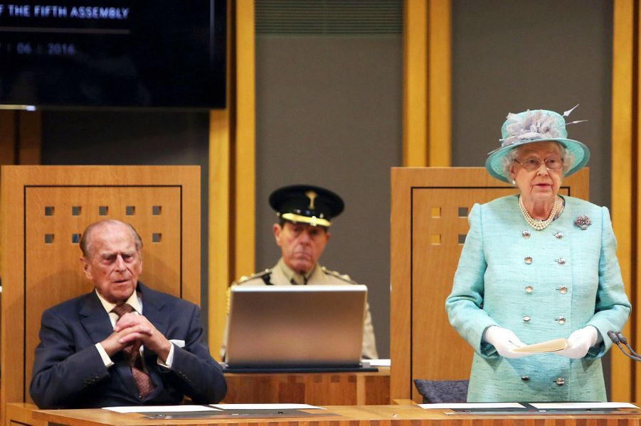La reine Elizabeth II et le prince Philip à Cardiff, le 7 juin 2016