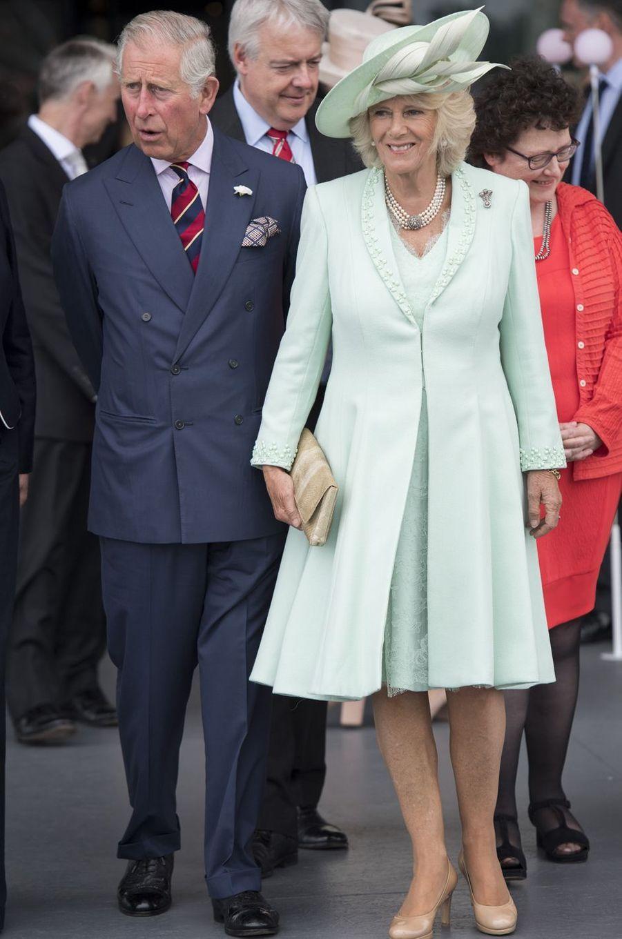Le prince Charles et la duchesse de Cornouailles Camilla à Cardiff, le 7 juin 2016