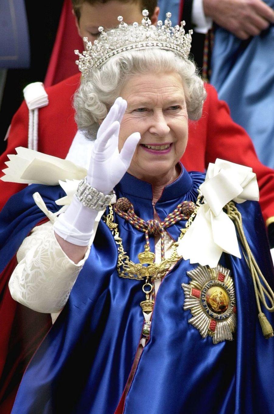 La reine Elizabeth II à Londres, le 14 juillet 2000