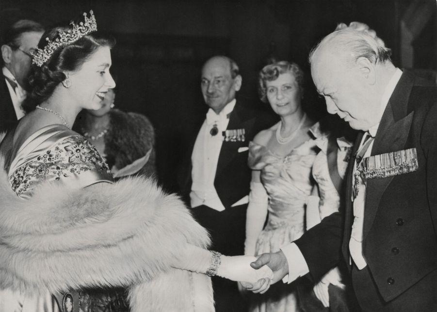 La princesse Elizabeth avec Winston Churchill à Londres le 23 mars 1950