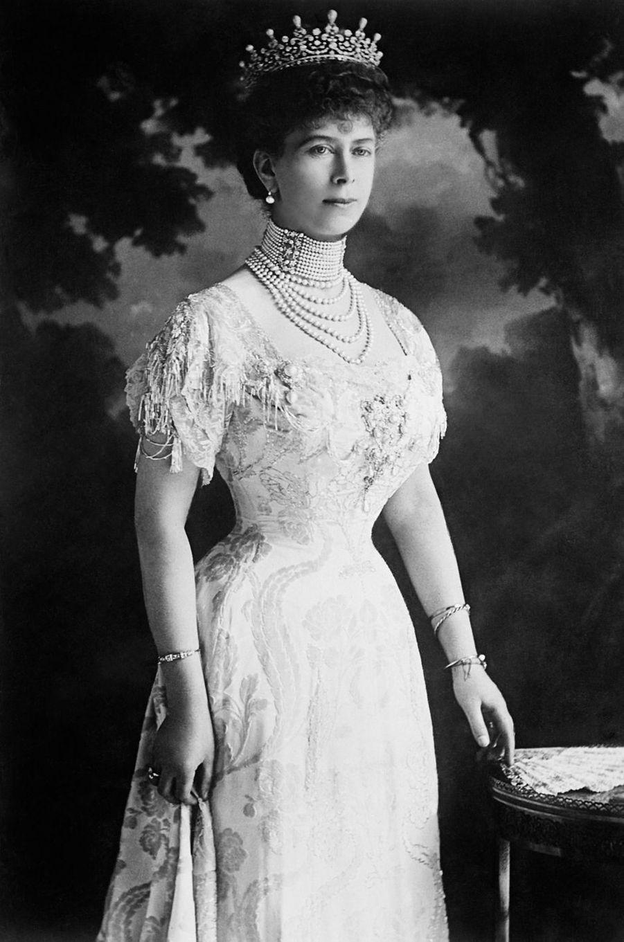 La reine Mary, grand-mère de la reine Elizabeth II, en 1914