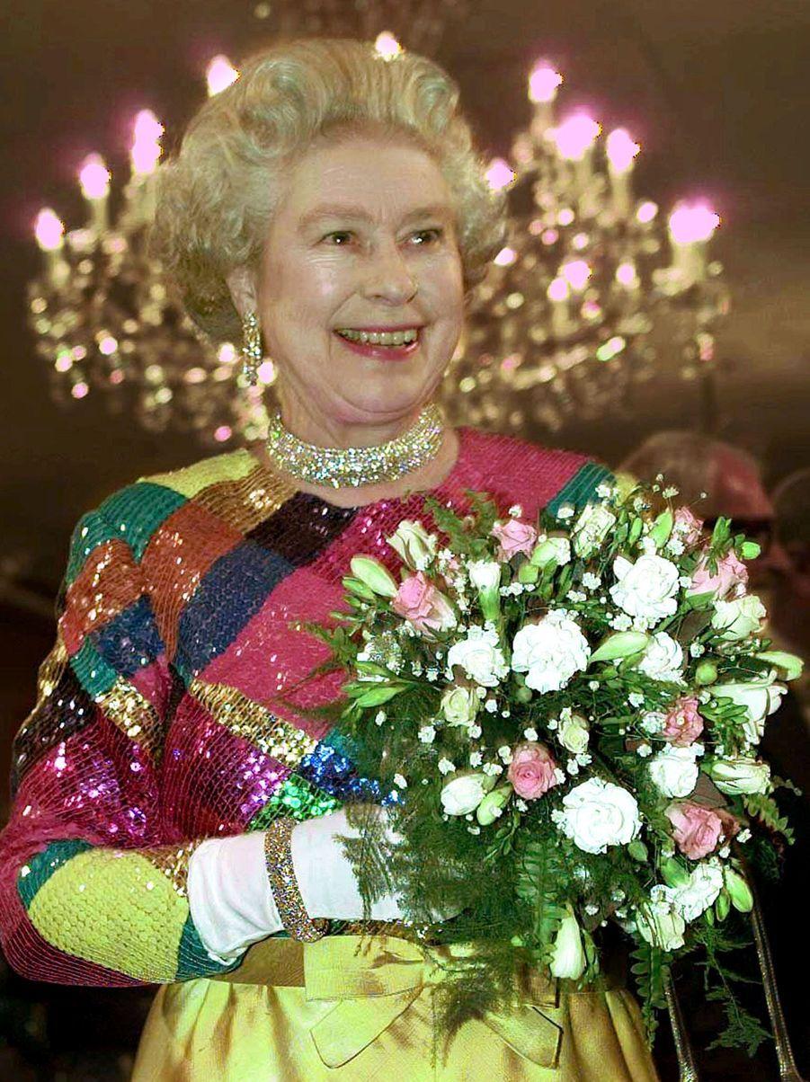 La reine Elizabeth II à Birmingham (novembre 1999)