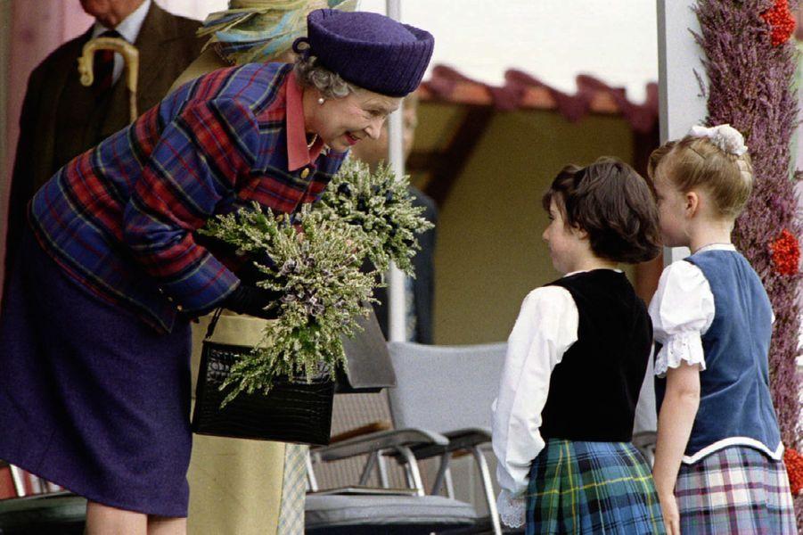 La reine Elizabeth II aux Jeux de Braemar (septembre 1994)