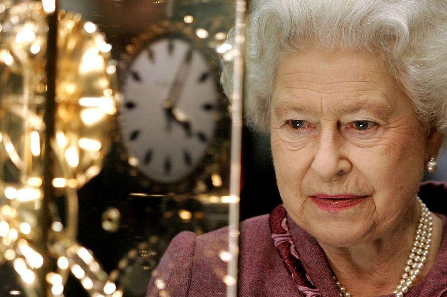 La reine Elizabeth II à la gare de St Pancras (novembre 2007)