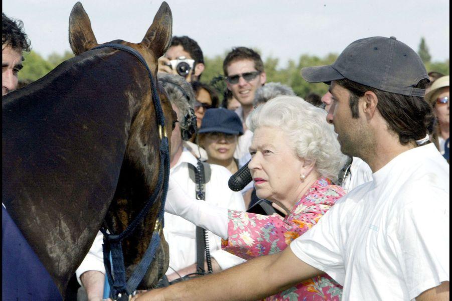 La reine Elizabeth II à Windsor (juin 2004)