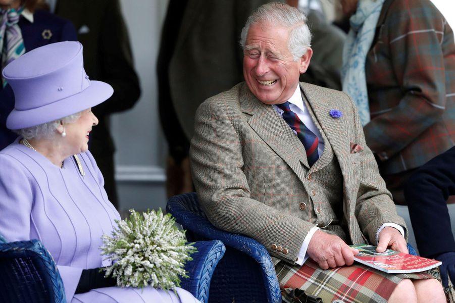 La reine Elizabeth II et le prince Charles à Braemar, le 3 septembre 2016