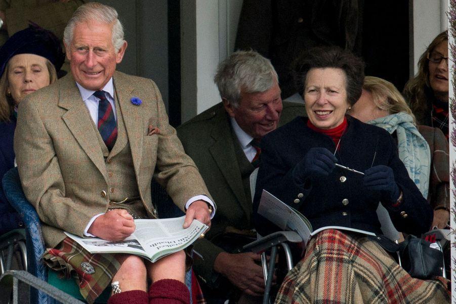 Le prince Charles et la princesse Anne à Braemar, le 3 septembre 2016