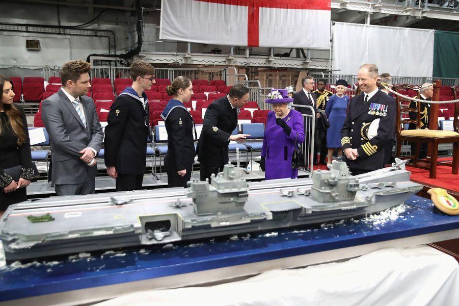 La reine Elizabeth II, à Portsmouth le 7 décembre 2017