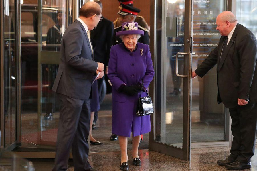 La reine Elizabeth II arrive au siège de l'OMI à Londres, le 6 mars 2018