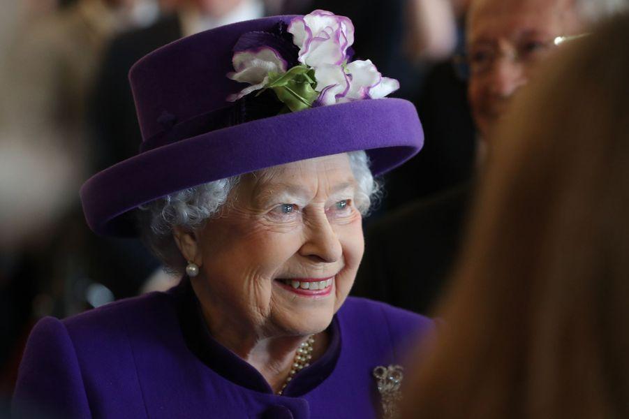 La reine Elizabeth II toute guillerette à Londres, le 6 mars 2018