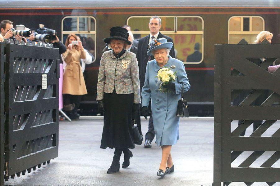 La reine Elizabeth II à Hull, le 16 novembre 2017