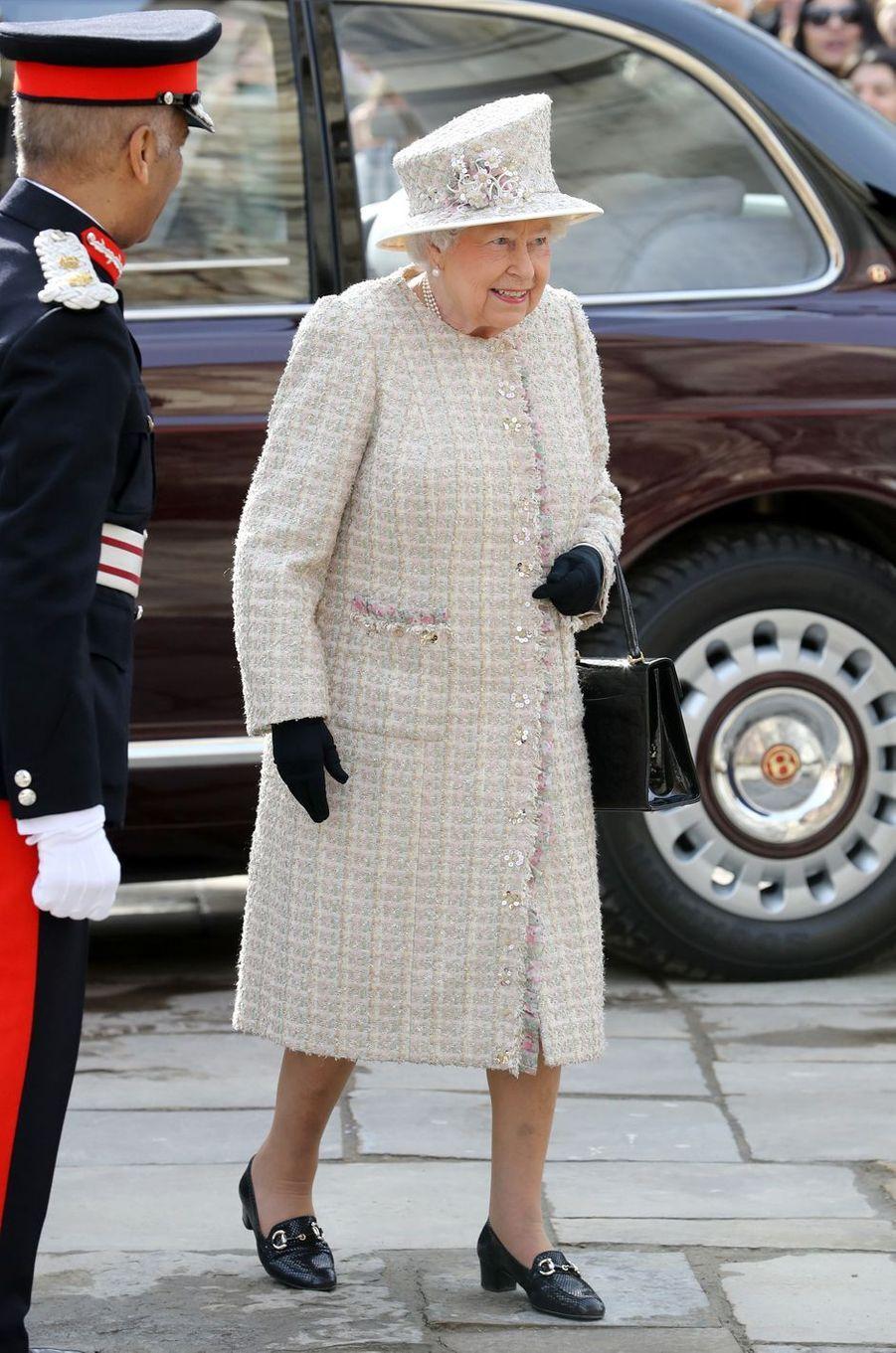 La reine Elizabeth II arrive à Charterhouse à Londres, le 28 février 2017