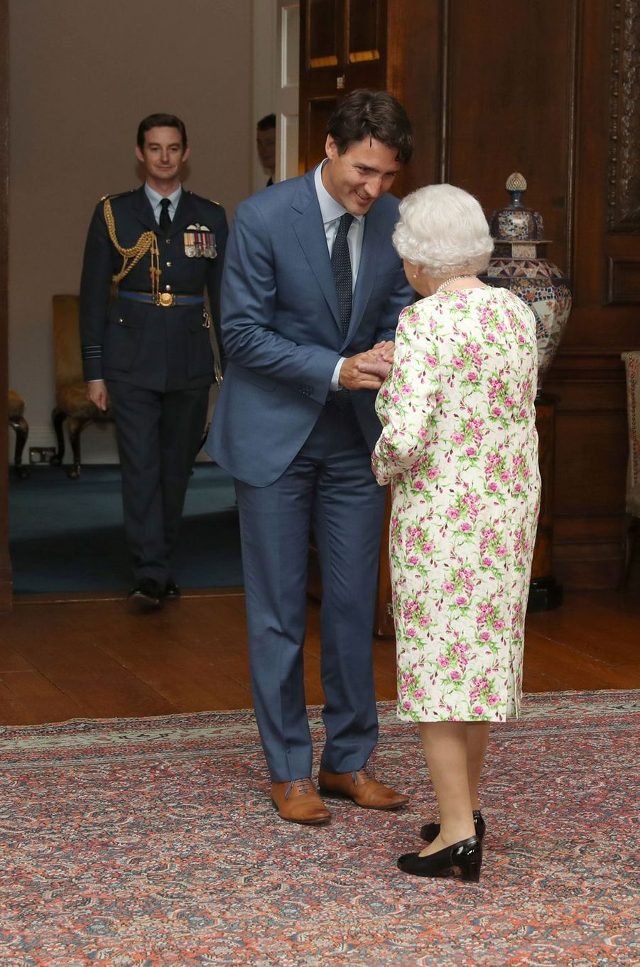 La reine Elizabeth II et Justin Trudeau à Edimbourg, le 5 juillet 2017