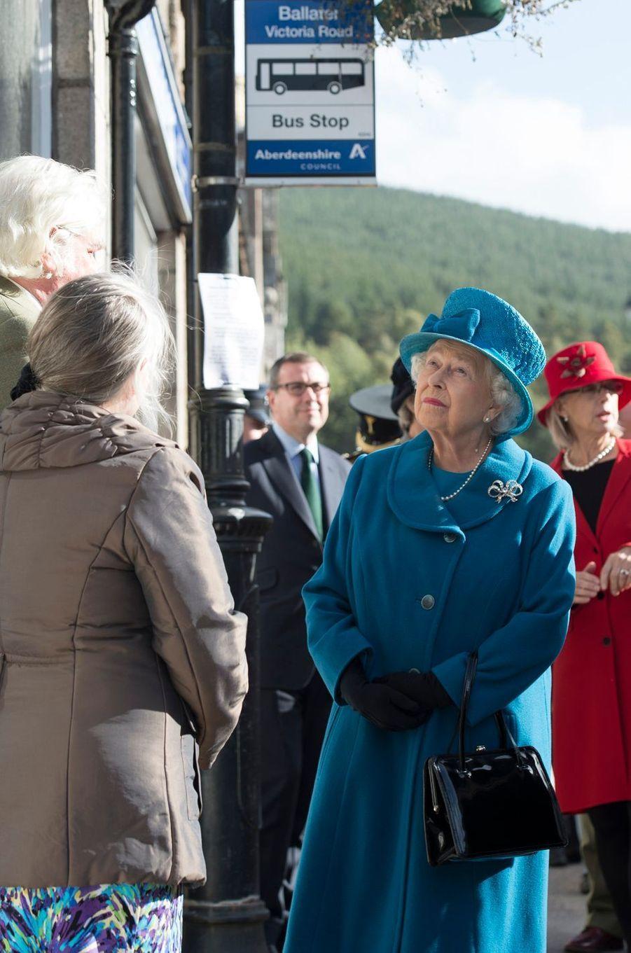 La reine Elizabeth II à Ballater en Ecosse, le 27 septembre 2016