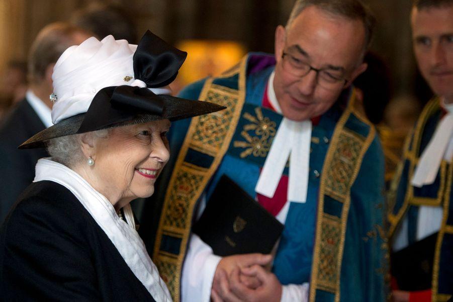 La reine Elizabeth II à l'abbaye de Westminster à Londres, le 25 avril 2015