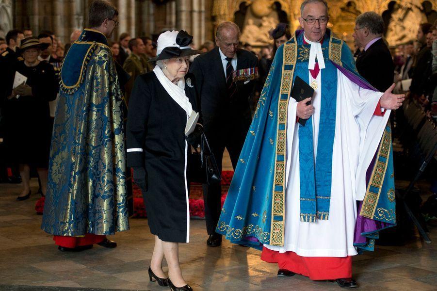 La reine Elizabeth II et le prince Philip à l'abbaye de Westminster à Londres, le 25 avril 2015