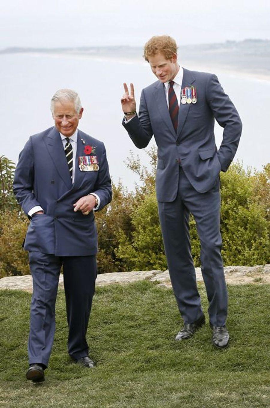 Les princes Charles et Harry au Nek Cemetery à Gallipoli, le 25 avril 2015