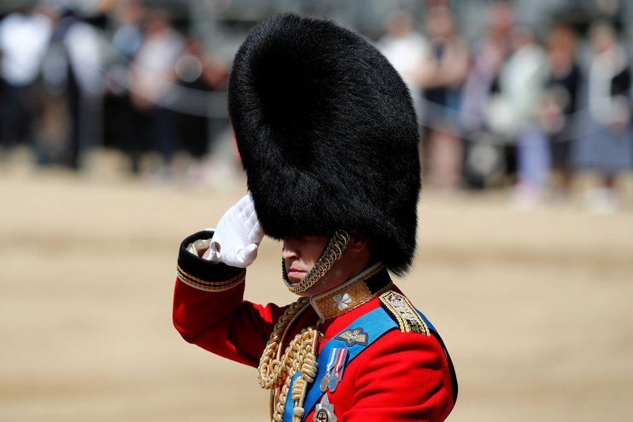 Le prince William en uniforme à Londres, le 10 juin 2017