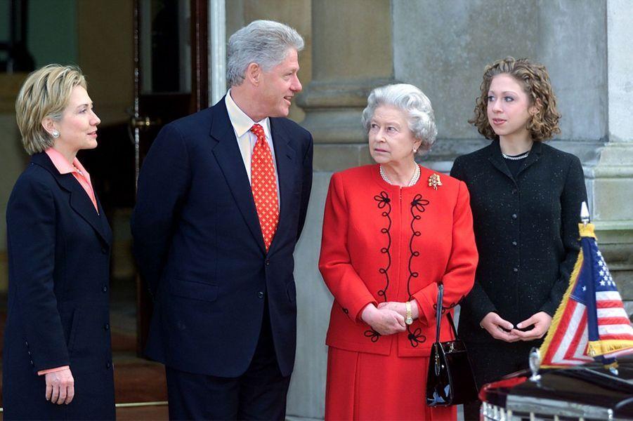 La reine Elizabeth II avec le président des Etats-Unis Bill Clinton aux Etats-Unis, le 14 décembre 2000