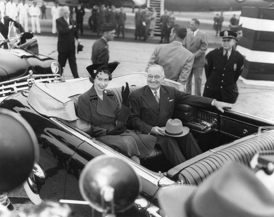 La princesse héritière Elizabeth avec le président des Etats-Unis Harry S. Truman, aux Etats-Unis le 31 octobre 1951