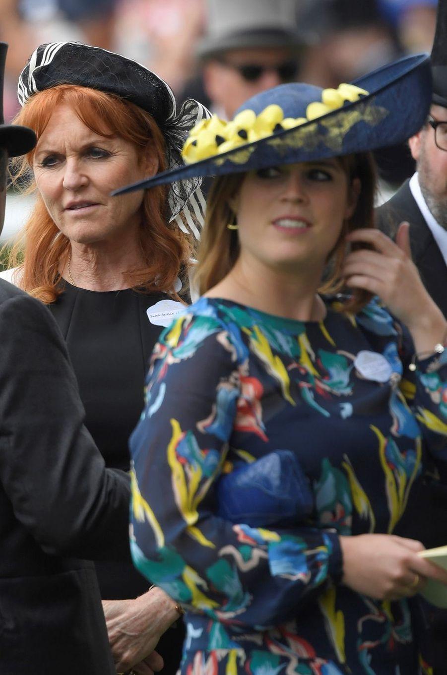 Sarah Ferguson et sa fille cadette la princesse Eugenie d'York à Ascot, le 23 juin 2017