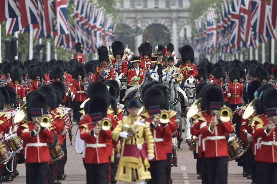 George et Charlotte fêtent les 90 ans d'Elizabeth II