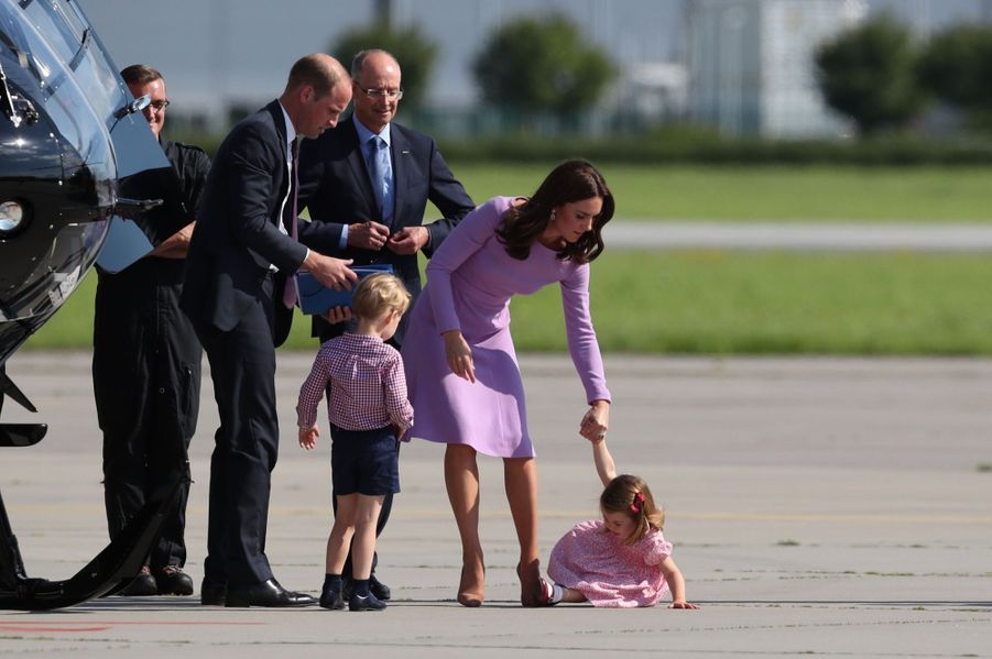 George, Charlotte, Kate Et William Disent Au Revoir À L'Allemagne 1