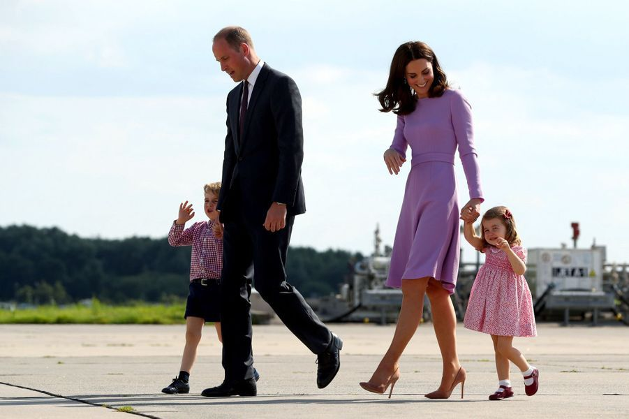 George, Charlotte, Kate Et William Disent Au Revoir À L'Allemagne 40