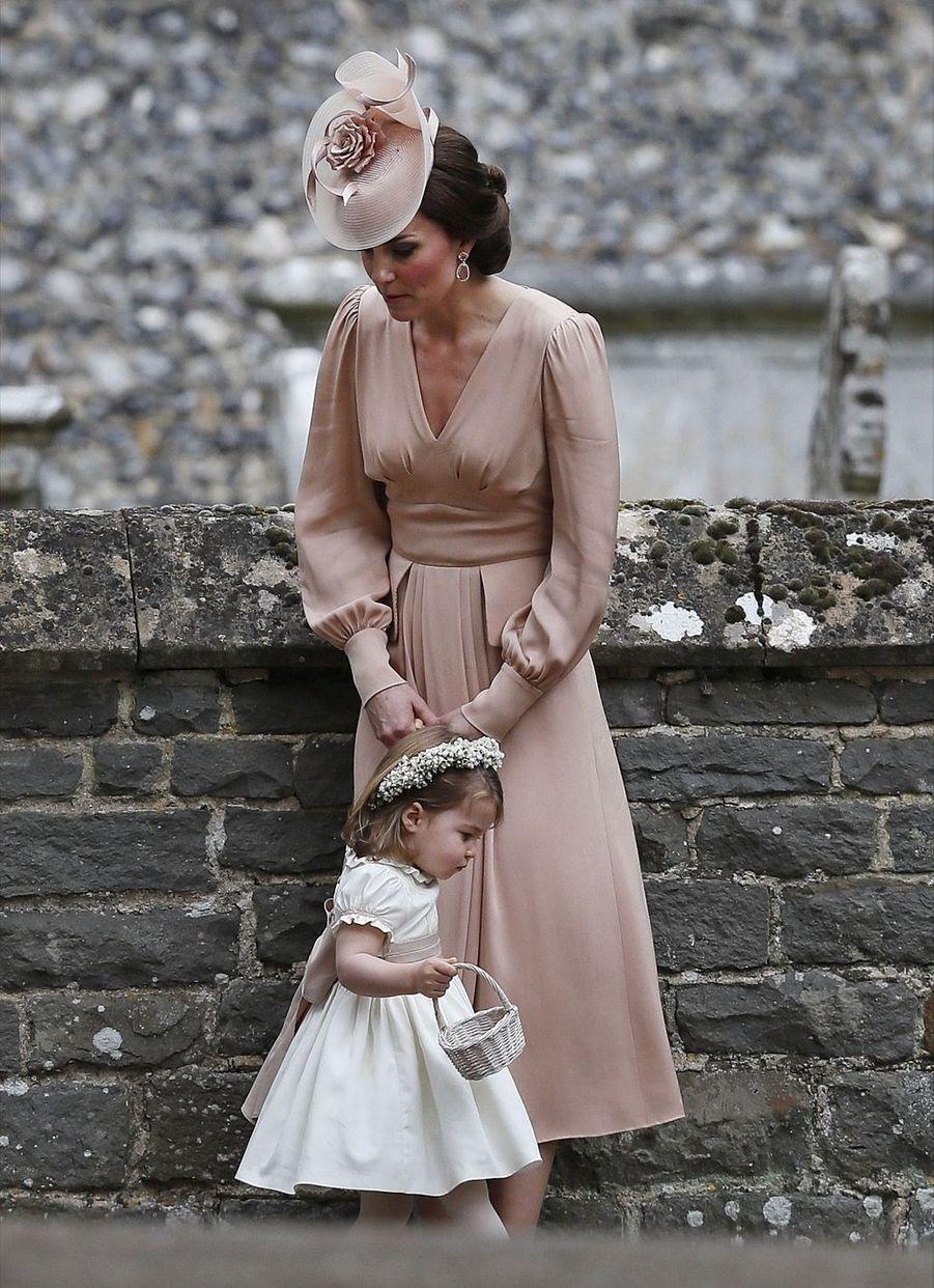 Le Prince George Et La Princesse Charlotte Au Mariage De Leur Tante Pippa Middleton 1