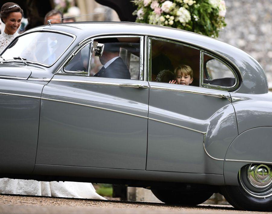 Le Prince George Et La Princesse Charlotte Au Mariage De Leur Tante Pippa Middleton 15